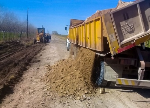 Vialidad continúa con la conservación de caminos de los departamentos Paraná y Nogoyá